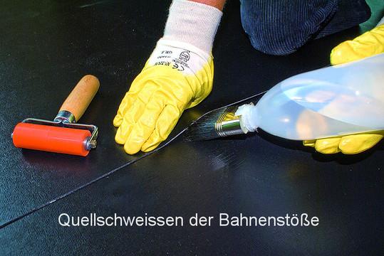 Nahtverschluss der Dachbahnen mit Quellschweißmittel.